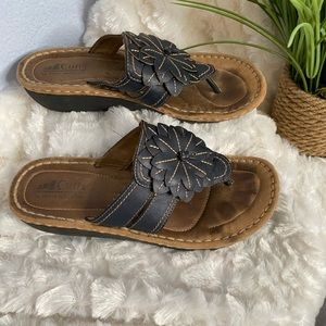 Cliffs White Mountain sandals